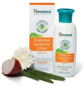 himalaya-herbal-protective-sunscreen-lotion-spf-15