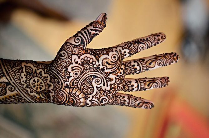Traditional grade gujarati mehndi design