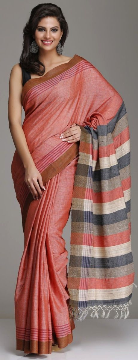 Saree draping style with cotton handloom