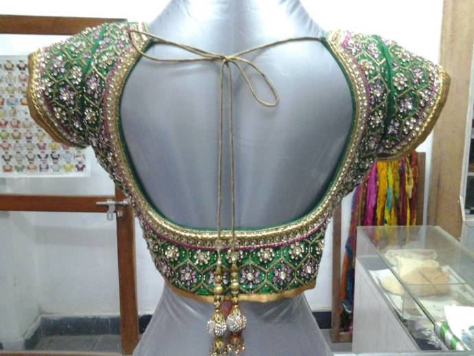stunning-designer-embroidery-blouse