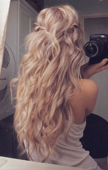 Blonde hair with long curls