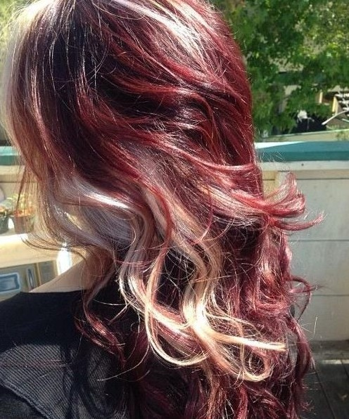 Long-Curly-Hairstyles-2014-Red-hair-with-blonde-highlights