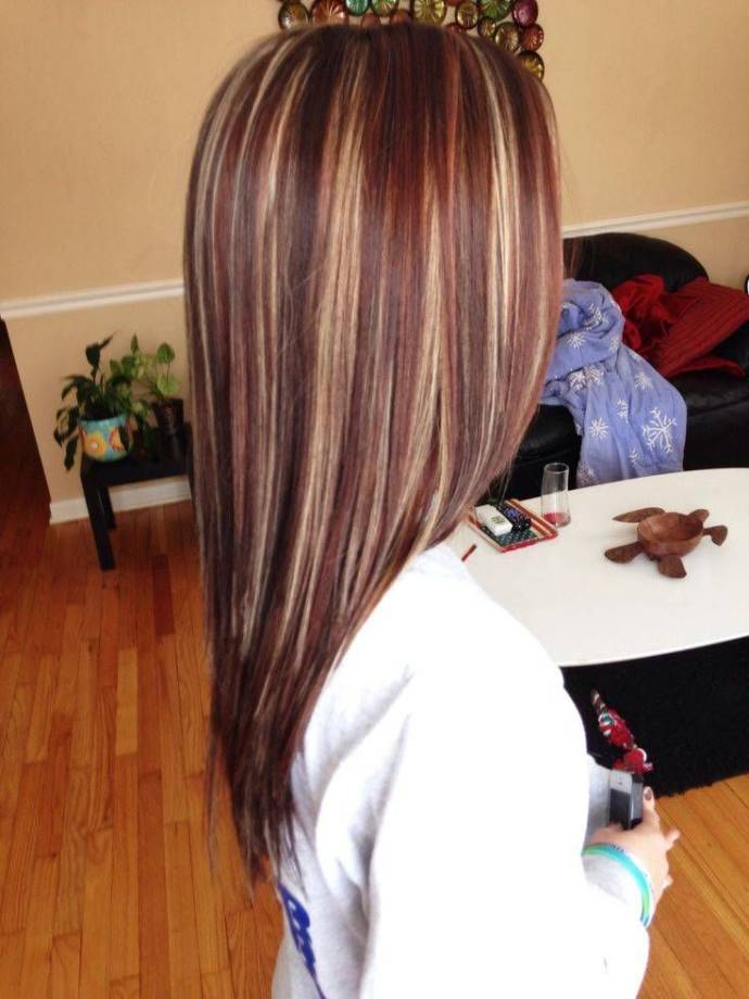Straight hair with multiple highlights
