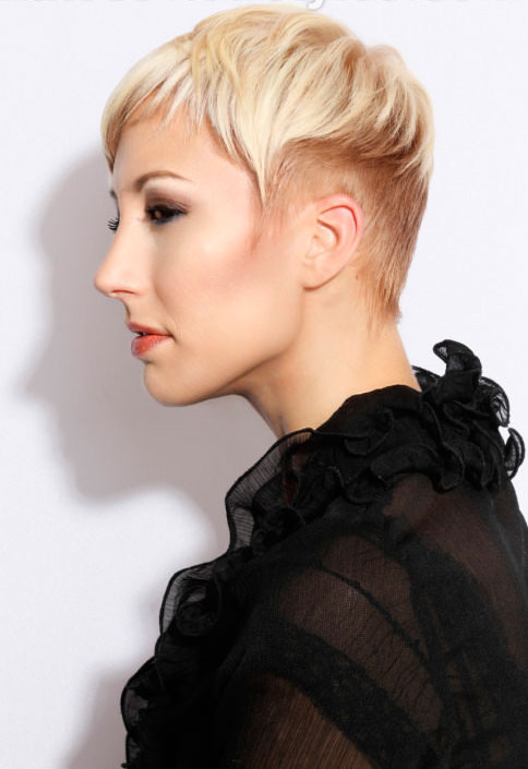 Wavy-Pixie-Haircut-Side