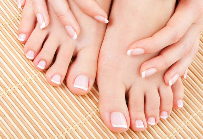 Winter foot care tips for men and women – make your winter crack free