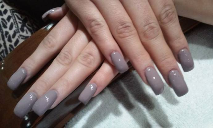Best methods and easy ways to remove fake nails