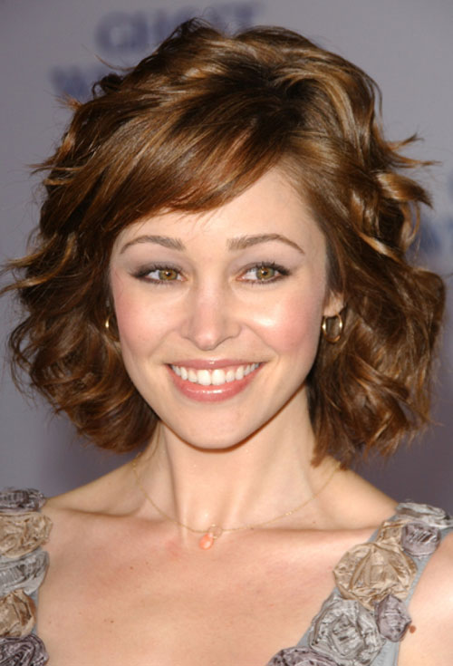 1. Autumn-Reeser-short-wavy-hair