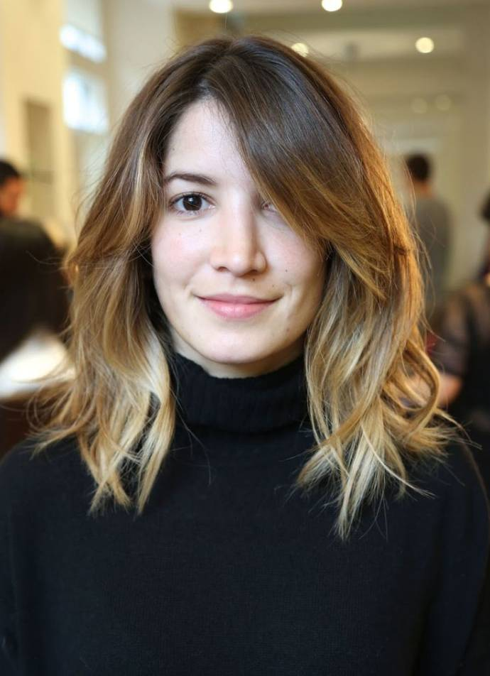 2-Layered hairstyle for medium length hairs