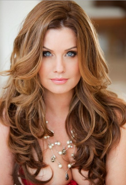 Layered hairstyles for long hair round face best popular long layered hairstyles center parted for urmus Gallery