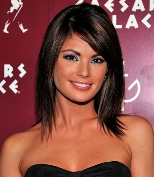 Hairstyle with thin hair and plum highlights