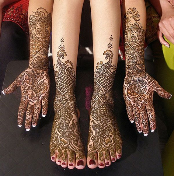 Is It Safe To Apply Henna On My Hands And Feet During Pregnancy
