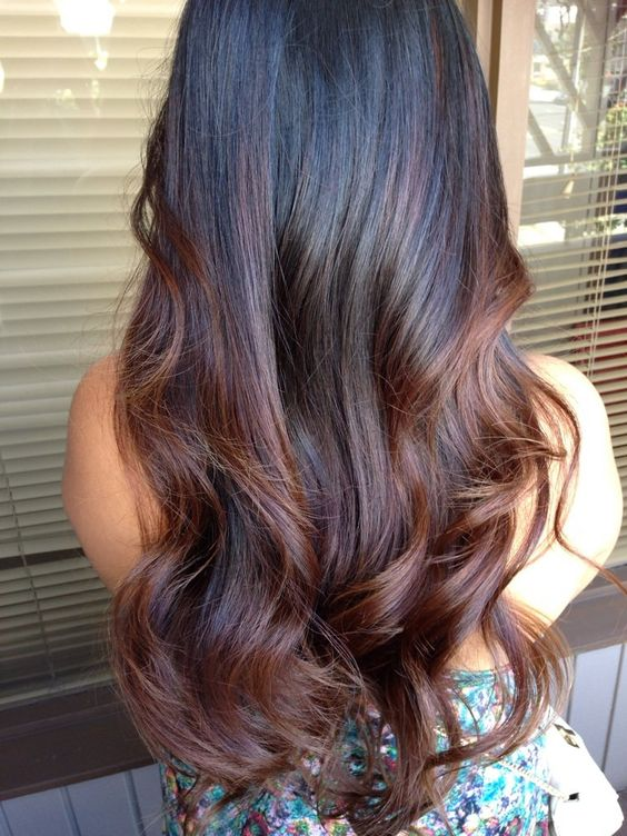 b306229227a4711ea7e2254cce4f3bd9. The dark black hairstyle for long straight  hair and end curls. This Balayage hairstyle with dark brown highlights