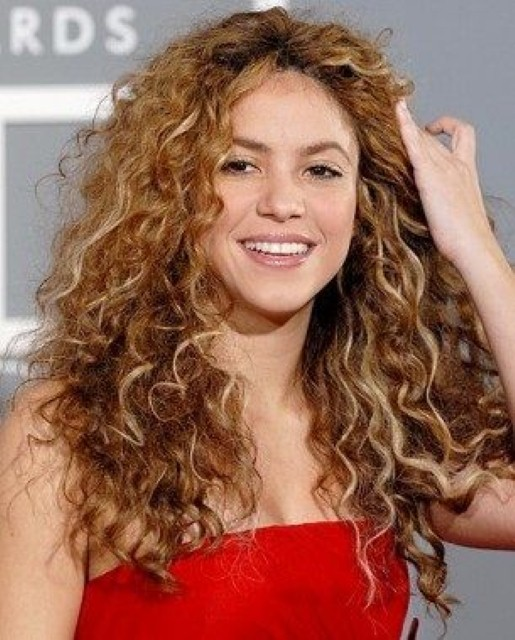 hairstyles-for-curly-frizzy-hair-for-an-event