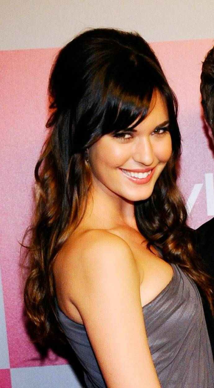 hairstyles-for-long-hair-with-side-bangs-and-layers-2013