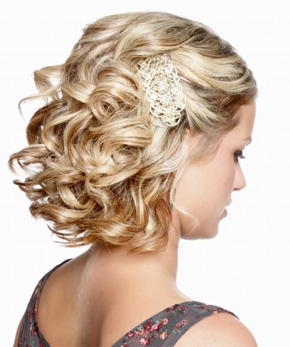Bohemian curly open hairstyle