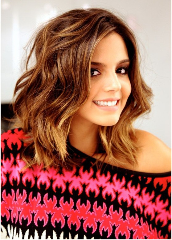 Dark-Copper-golden-Blonde-Wavy-Long-Bob-Hairstyles-with-Bangs-for-Heart-Shaped-Face-Woman