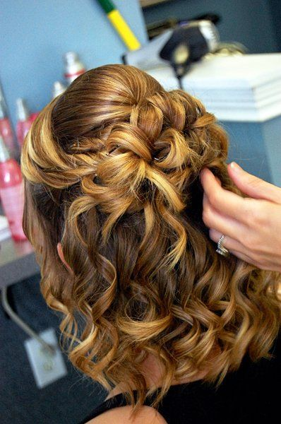 Half up hairstyle for proms and parties