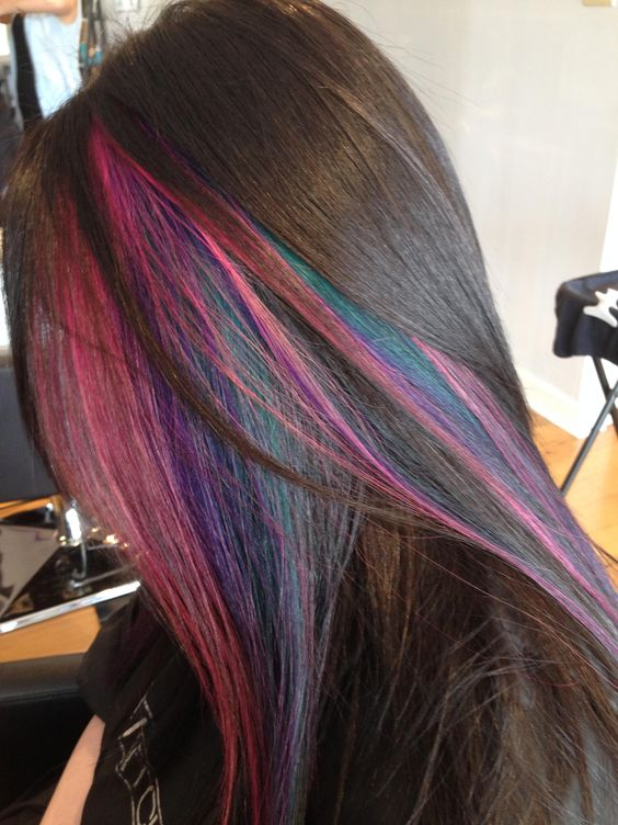 Highlights of different colors in one section of hair