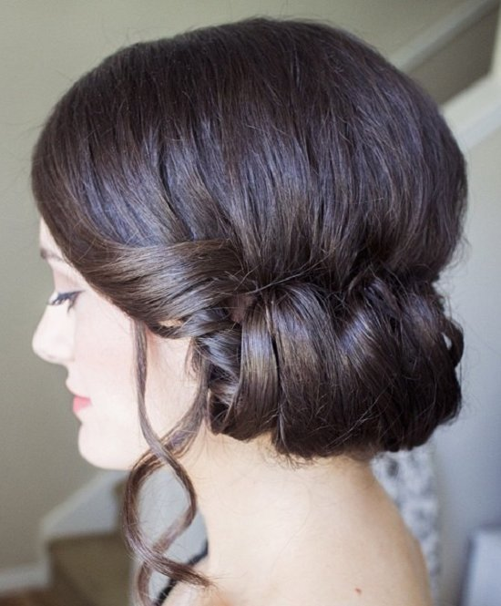 Side chignon bun
