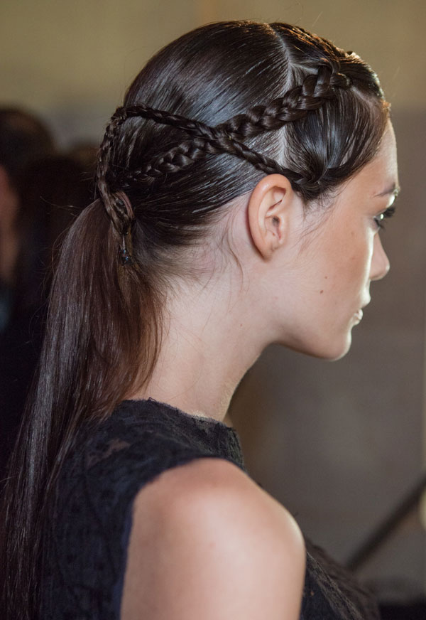 Trendy-Messy-side-braid-for-womens