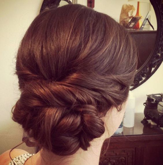 Party Hairstyles For Medium Hair With Saree