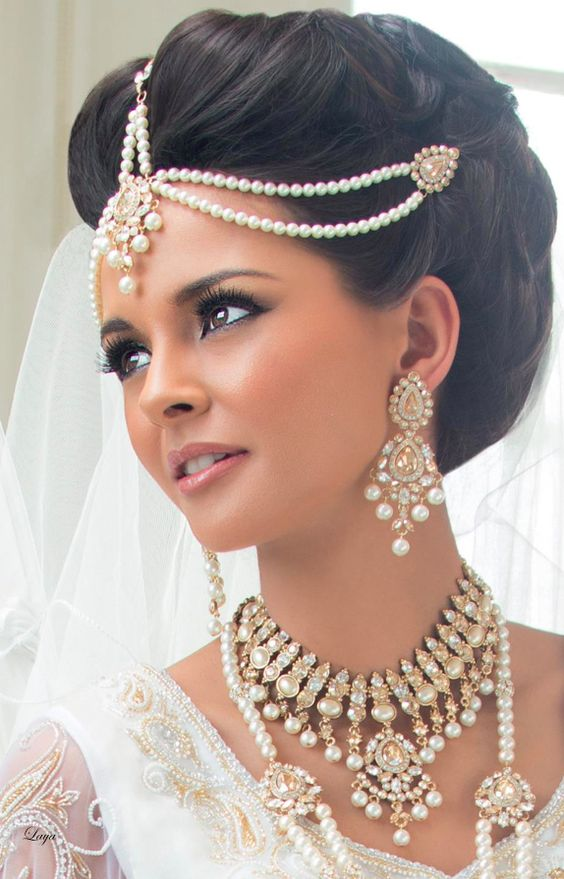 A Neat Up Do For Bride Bridal Hairstyle Indian Wedding