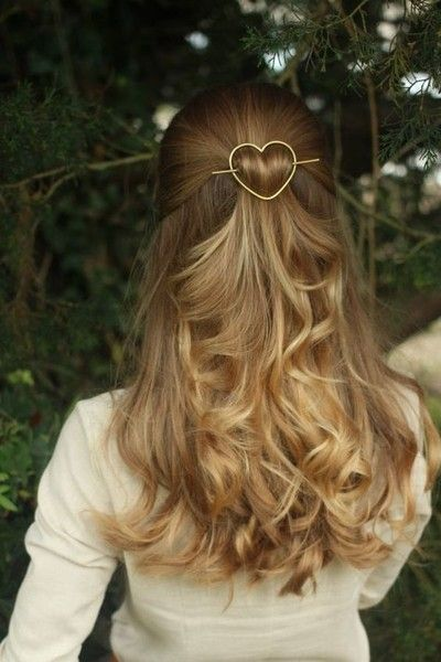 An easy romantic open hairstyle for college fest