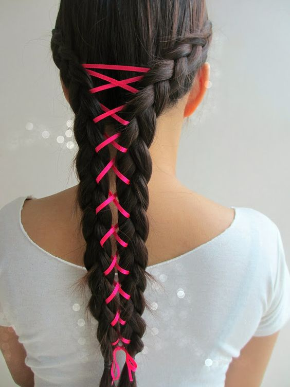 Double braided romantic hairstyle idea for college fest