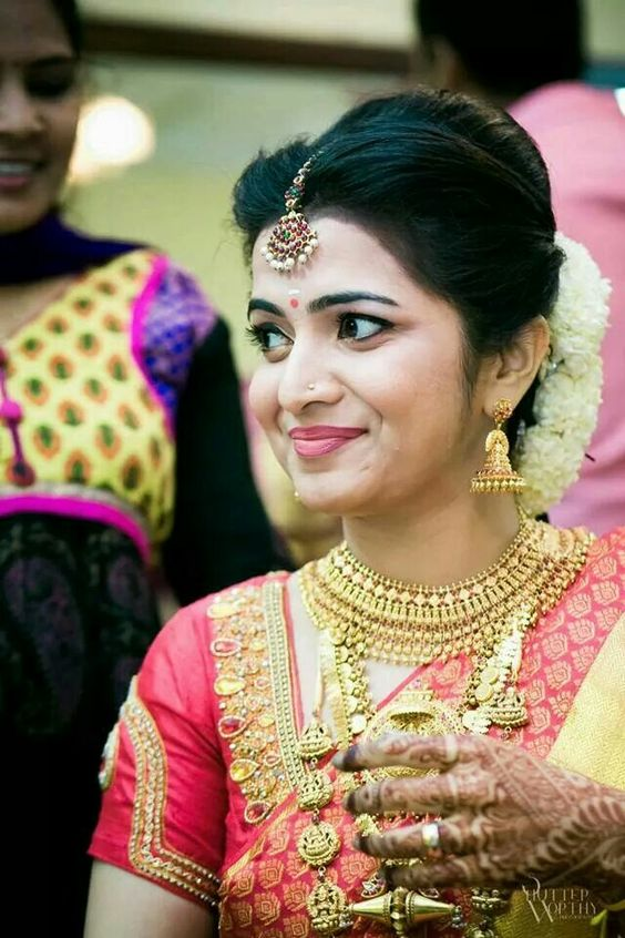 Outstanding Bridal Hairstyles For Indian Wedding Dulhan Hairstyles Hairstyles For Women Draintrainus