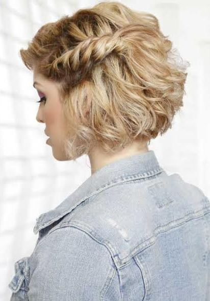 side-braided-hairstyle-for-short-hairs