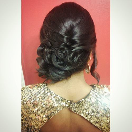 Side floral back bun to be paired with saree