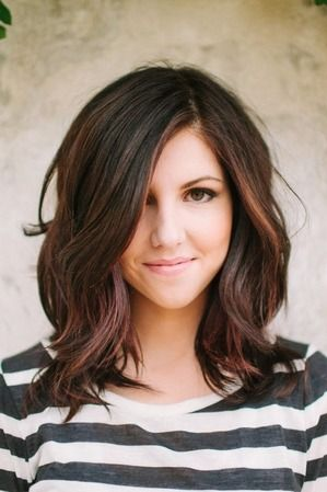 Wavy layered open hairstyle for short hairs