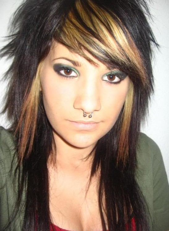 Emo on black hairs with chunky golden highlights