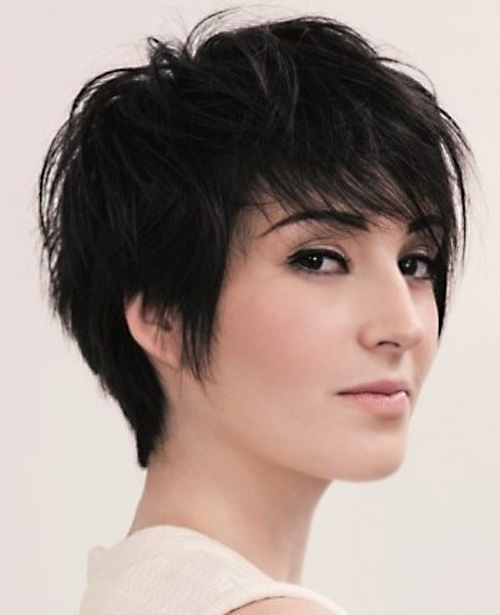 Messy short feather hairstyle