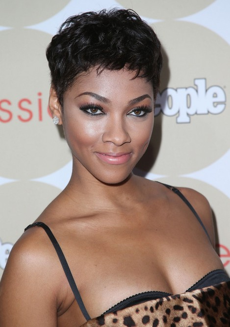 Symmetric short feather cut hairstyle