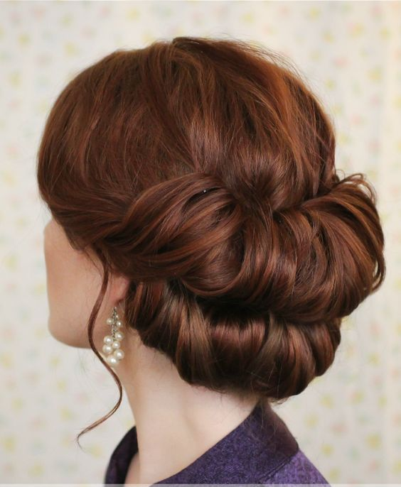 Double rolled up bun for short hairs