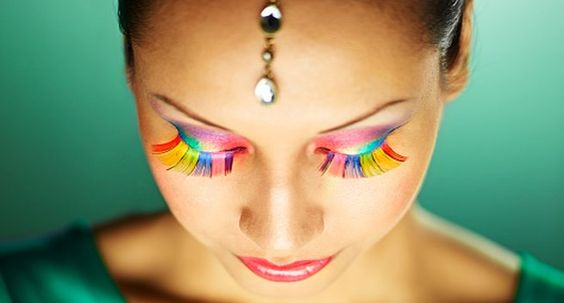 Perfect rainbow eyelash with eye-shadow