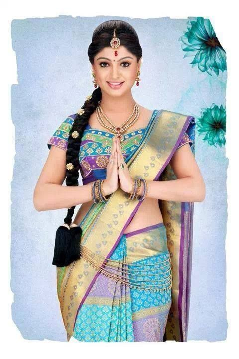 Ethnic bun, braided hairstyle for pattu sarees