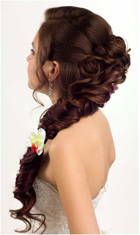Fishbone plait with curls for wedding