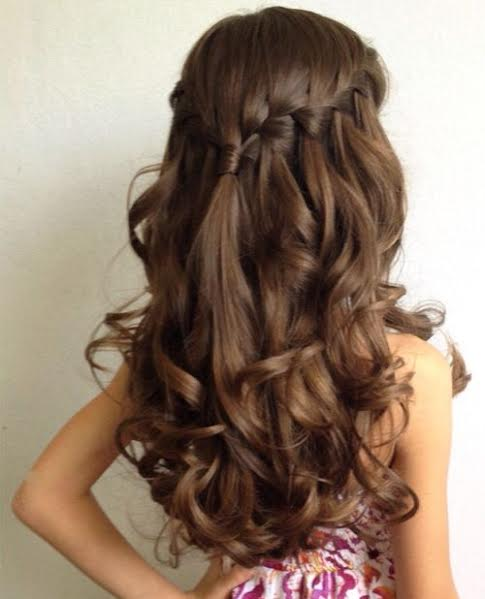 Middle tied watterfall braiding with curls