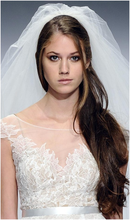 Open side swept hairstyle for brides
