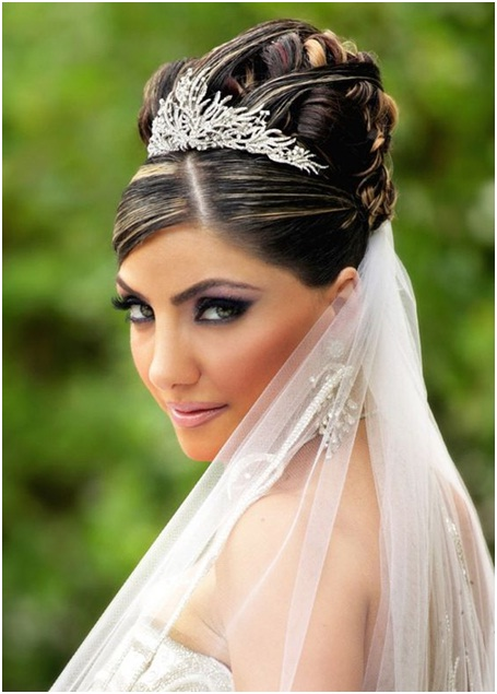 Top bun with highlights for brides