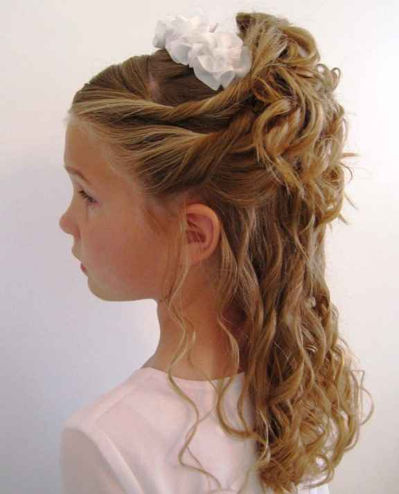 Updo with partially open hairs