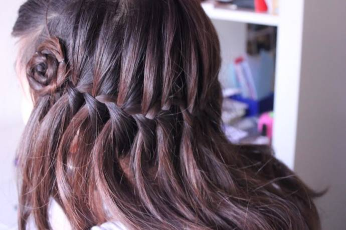 Waterfall braiding with a side floral design