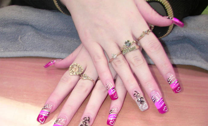 Tips And Ideas To Paint Your Nails