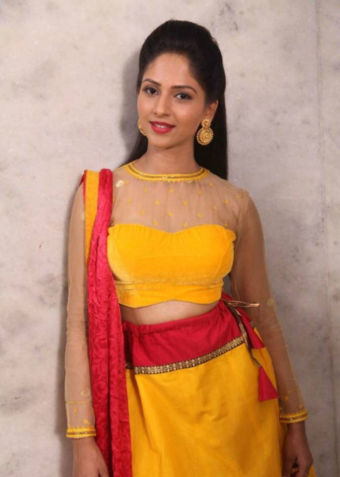 simple-work-blouse-designs-for-net-saree