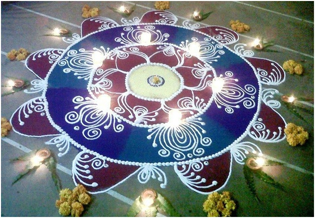 big-rangoli-in-blue-and-maroon