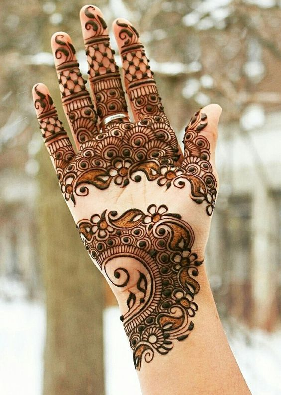 disjoint-mehndi-design-with-shades