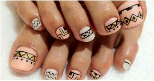 geometrical-patterned-nail-art