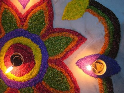 glitter-rangoli-in-flower-pattern